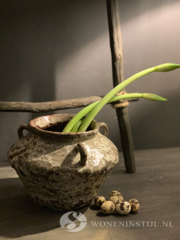 Muggle Pottery Vase