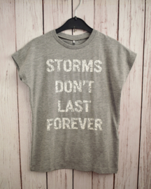 """Nieuw : Name it - Grijze T-shirt """"Storms"""" Mt. 134-140"""