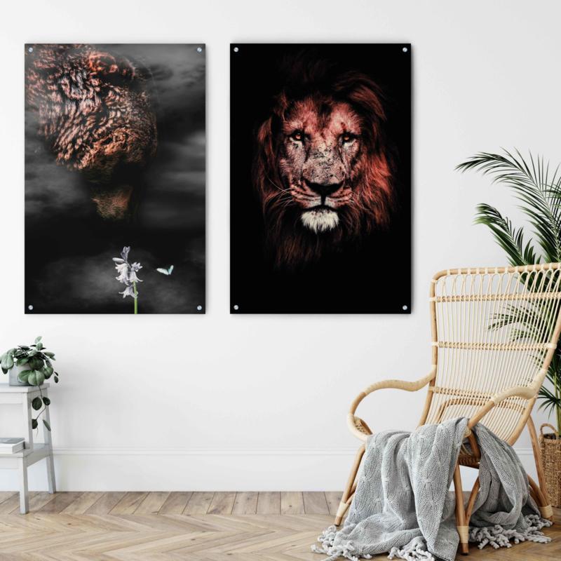 Dubbelzijdige kunst: Portret van een leeuw met de Grizzly in the mist