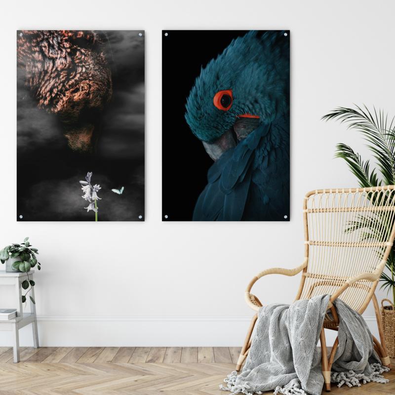 Dubbelzijdige kunst: Grizzly in the mist met de blauwe ara