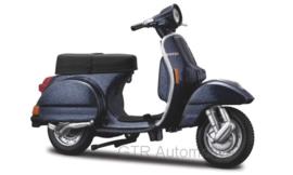 Vespa P150X - metallic blauw - 1:18