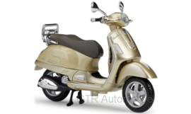 Vespa GTS 300 - metallic beige - 1:18