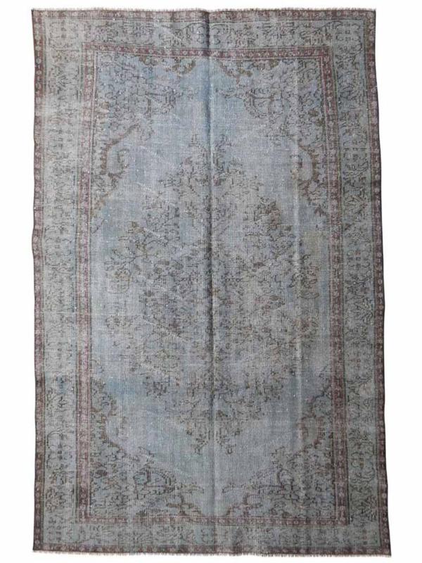 Vintage recoloured tapijt lichtblauw Maat: 161 x 240