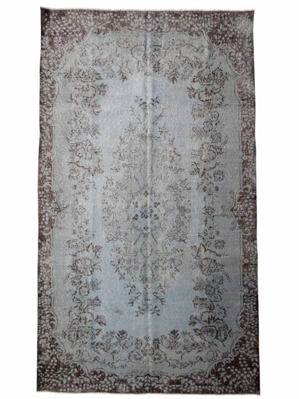 Vintage recoloured tapijt lichtblauw maat: 176 x 304