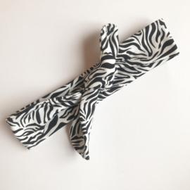 Broekje met mutsje of haarband 'zebra'