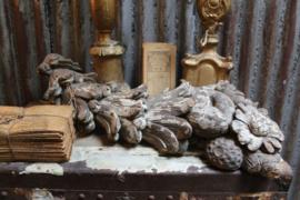 Antieke houten tros ornament.