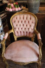 Set pink velvet stoelen.