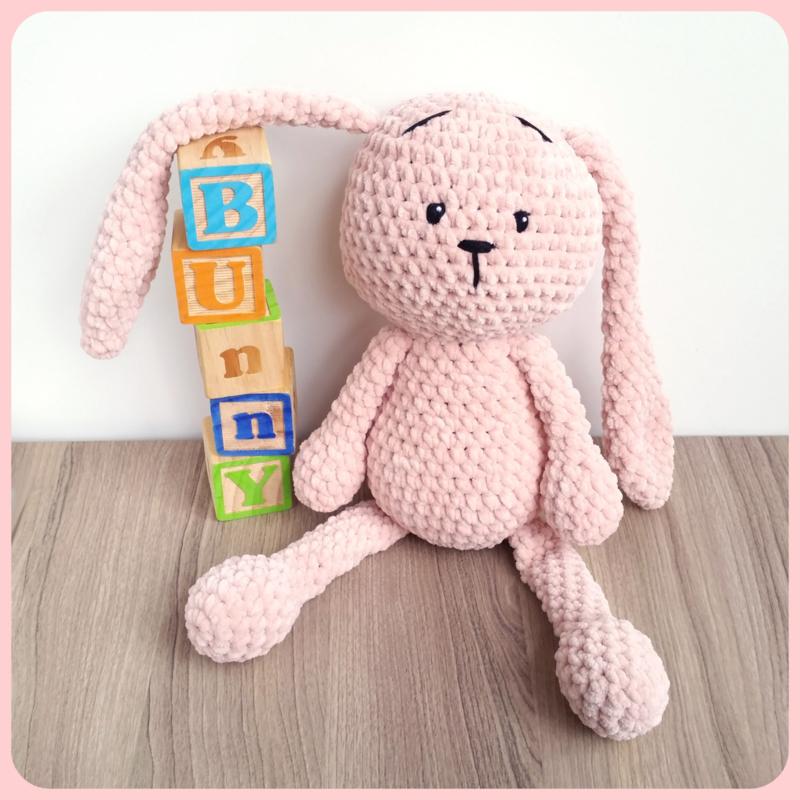 Gehaakte fluffy bunny, groot