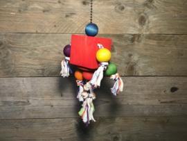 Blok met touw en ballen van hout