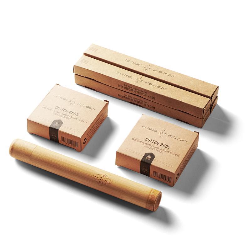 Bamboe set met 4 volwassen tandenborstels, 1 reiskoker en 200 wattenstaafjes