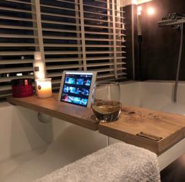 Beau Wonen Badplank Eikenhout standaard 80 cm met tablet sleuf en wijnglashouder