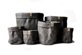 SIZO knitted paper bag Black (6 formaten)