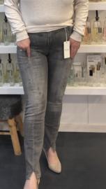 Jeans Verona grijs damaged van Mila Jeans