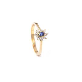 Handgemaakte ring in geel goud met diamant en saffier