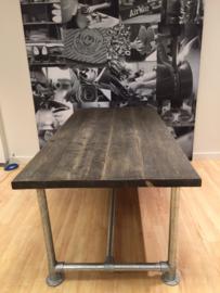 Steigerbuis tafel Blackwash