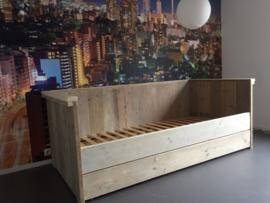 Bedbank steigerhout