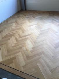 Visgraat vloer tapis met band en bies (per m2)