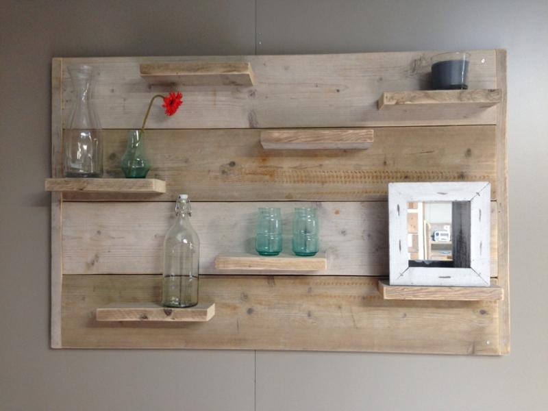Wandbord gebruikt steigerhout