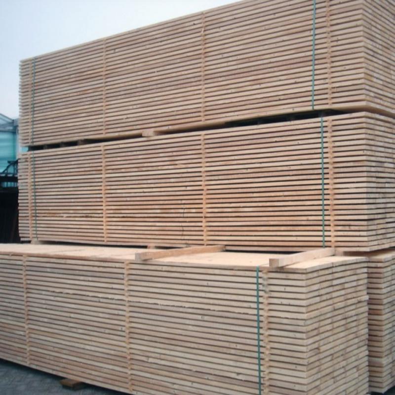 Nieuw steigerhout geschaafd & gedroogd