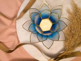 Lotusbloem theelichthouder  lichtblauw/wit XL