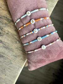 Initial beads bracelet