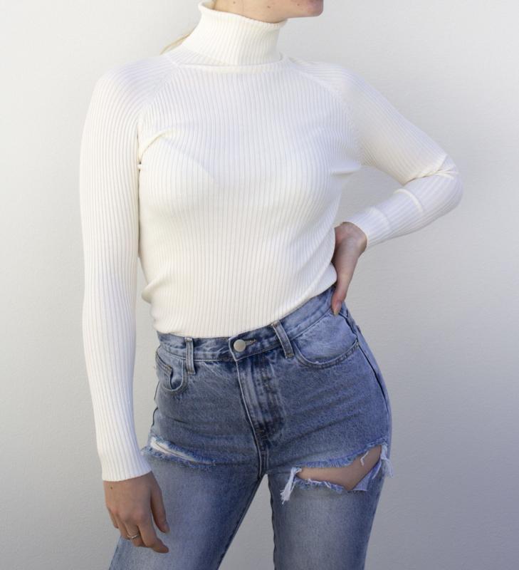 Tara turtleneck - white