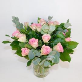 Rozenboeket Maaike roze