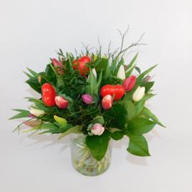 Tulpenboeket Annie bont + hartjes