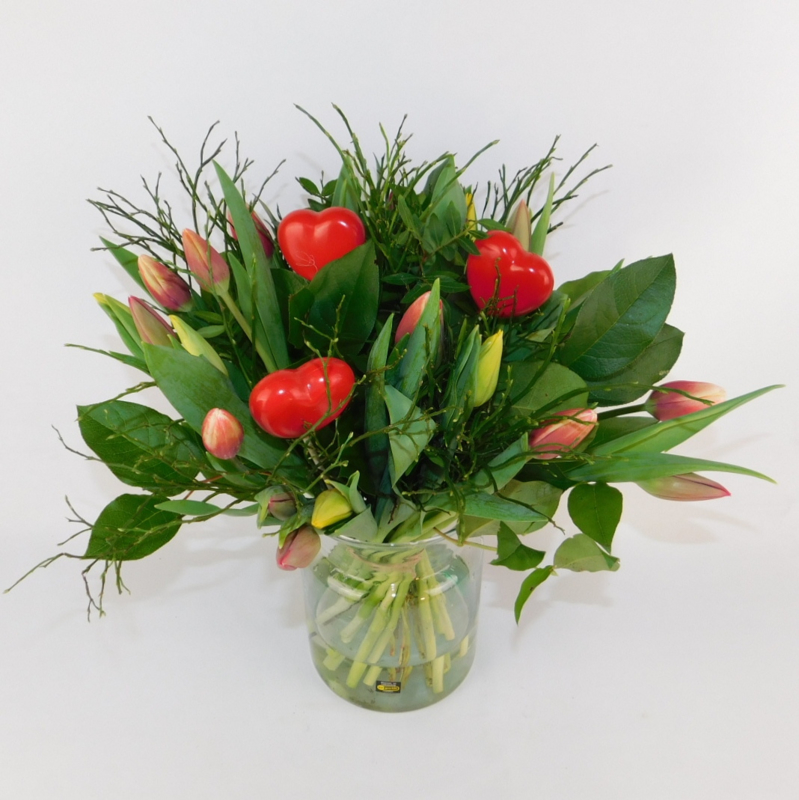 Tulpenboeket Minke rood-oranje-geel + hartjes