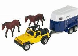 Jeep met Paarden Trailer