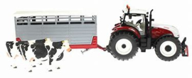 Steyr CVT 6230 with Cattle Car + 2 cows