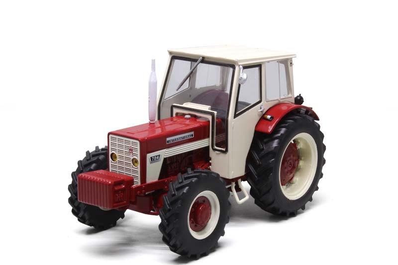 International 724 4WD