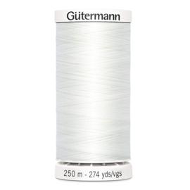 250 meter ~ kleur 800 (wit) (Gütermann)