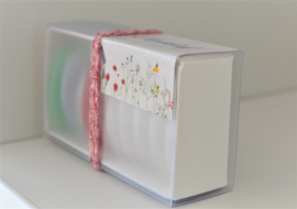 Schuifdoosje gebroken wit met semi transparante wikkel