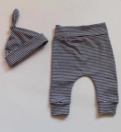 Broekje smal stripes zwart/wit