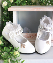 Schoen White Lace