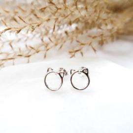 Zilveren kat oorstekers