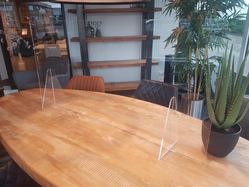 Plexiglas tafelscherm 180Bx65H cm.