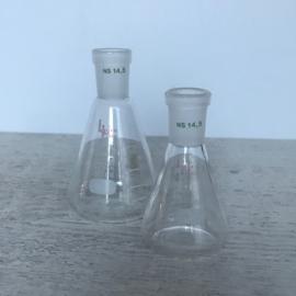 Vintage laboratoriumglas 2x klein