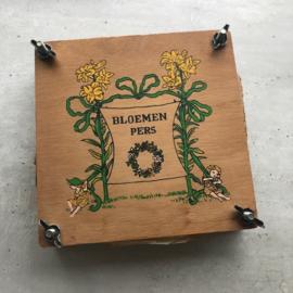 Vierkante bloemenpers medium