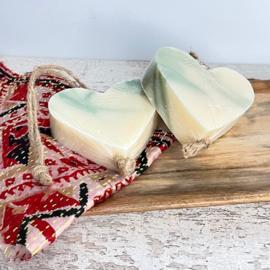 Zeep soap on a roap hart
