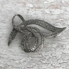 Gestilleerde broche zilver