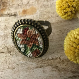 Ring Autumn flowers Tessa Randi