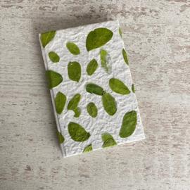 Notebook handgeschept papier 'Leaf' groen