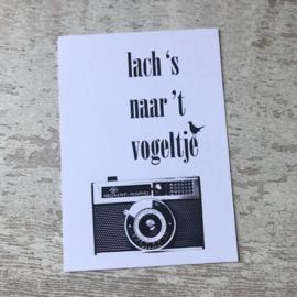Ansichtkaart 'Lach 's naar het vogeltje'
