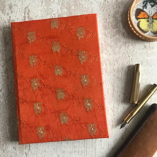 Notebook vintage sari oranje