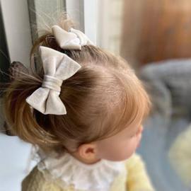 Haarclips Velvet Strik Creme 7cm (2st)