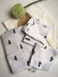 Mini & Maxi: Hydrofiele doek wit met ananas