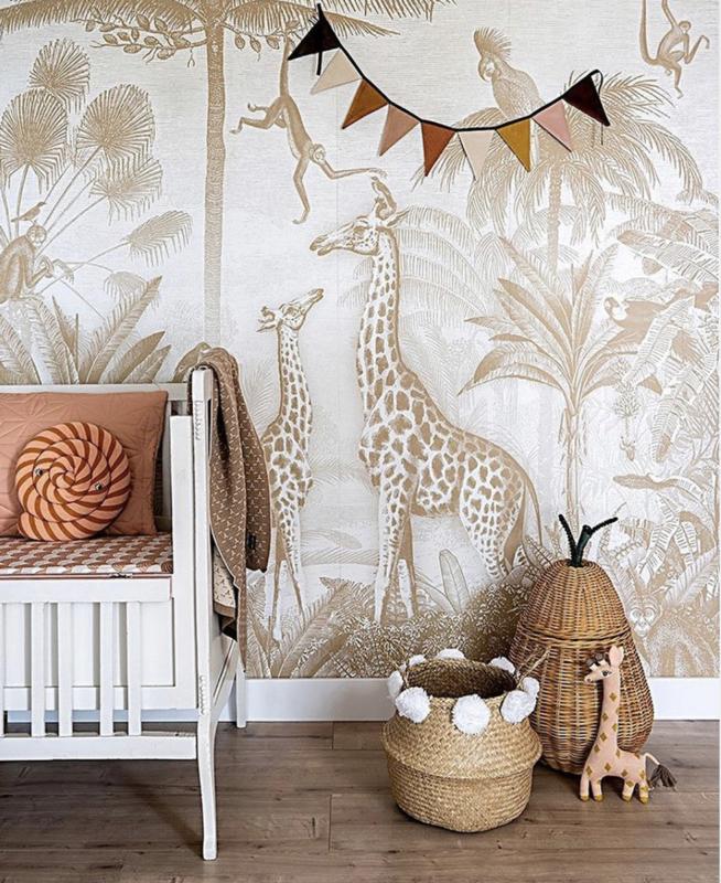 Giraf & slingeraapjes mosterd voor Anna | 450b x 235h cm