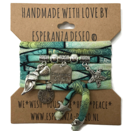 "Turquoise en mint print armband met zilverkleurige bedels thema ""Dreaming of the sea"""